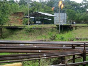 Fiske view from road, pipelines, gas flares